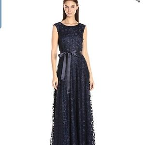 Tahari by ASL elegant allover floral gown